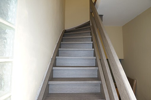 selbstklebefolie treppe renovieren. Black Bedroom Furniture Sets. Home Design Ideas