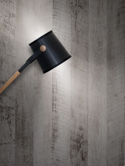 resimdo CO-WO-DW802 Grey Vintage Wood Wandfolie grau in Vintage Holz für Wände, Trennwände, Wohnzimmerwände, Beleuchtung
